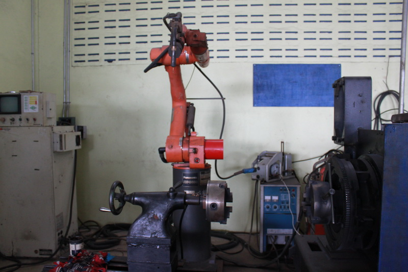 เครื่องเชื่อมหุ่นยนต์ (ROBOT) ใช้เชื่อมงานได้ทุกชนิด